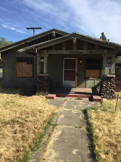 Medford Single Family Home For Sale: 1530 W Main Street
