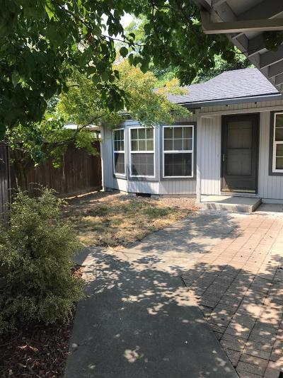 Medford Single Family Home For Sale: 1968 Hutchins Circle