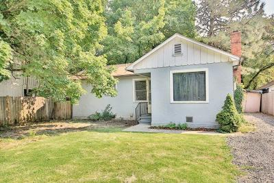 Grants Pass Single Family Home For Sale: 215 SW Rogue River Avenue