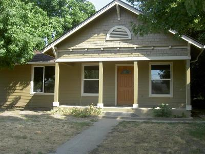 Grants Pass Single Family Home For Sale: 198 W Park Street