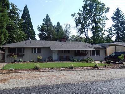 Medford Single Family Home For Sale: 659 Ellen Avenue