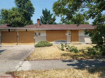 Jackson County, Josephine County Single Family Home For Sale: 1857 Easy Street