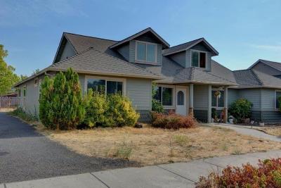 Medford Single Family Home For Sale: 142 Mellecker Way