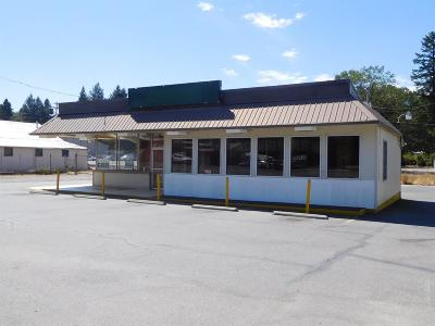 Cave Junction OR Commercial For Sale: $275,000