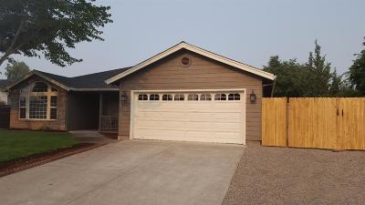 Central Point Single Family Home For Sale: 1847 Cottonwood Drive