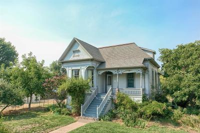 Ashland Single Family Home For Sale: 1023 E Main Street