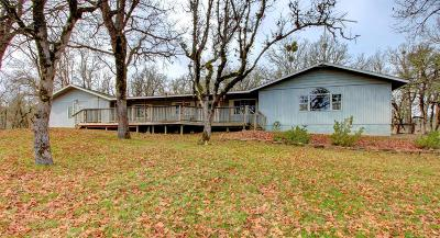Jackson County, Josephine County Single Family Home For Sale: 16565 Shiloh Road