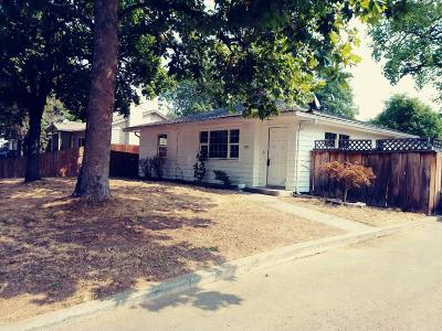 Single Family Home Sold: 921 SW Laurel Street
