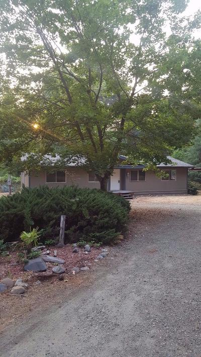 Grants Pass Single Family Home For Sale: 2680 Riverbanks Road