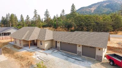 Grants Pass Single Family Home For Sale: 1954 SE Lelith Lane