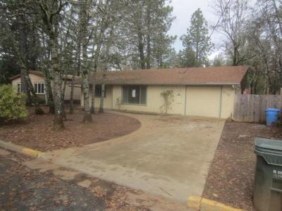 Jackson County, Josephine County Single Family Home For Sale: 216 W Palmer Street