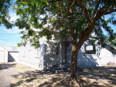Single Family Home For Sale: 520 N Grape Street