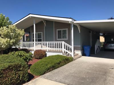 Grants Pass Mobile Home For Sale: 108 Whispering Willow