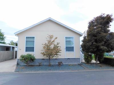Medford Mobile Home For Sale: 3555 S Pacific Highway #140
