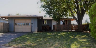 Single Family Home For Sale: 1702 Yukon Avenue