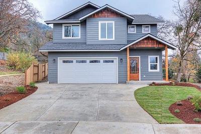 Grants Pass Single Family Home For Sale: 1167 NE Bonney Doon Lane