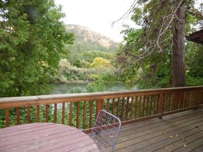 Jackson County, Josephine County Single Family Home For Sale: 4992 Rogue River Highway