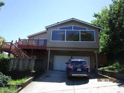 Jackson County, Josephine County Single Family Home For Sale: 300 Sheridan Street