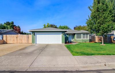 Central Point Single Family Home For Sale: 1255 Glengrove Avenue