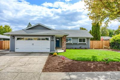 Central Point Single Family Home For Sale: 660 Hopkins Road