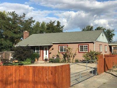Jackson County, Josephine County Single Family Home For Sale: 2640 Howard Avenue