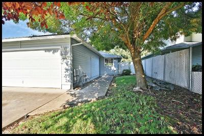 Central Point Single Family Home For Sale: 1006 Glengrove Avenue