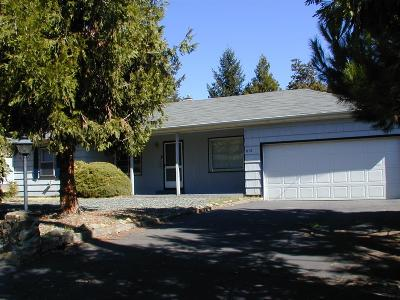 Medford OR Single Family Home For Sale: $234,500