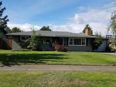 Medford Single Family Home For Sale: 2041 Serenity Drive