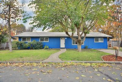 grants pass Single Family Home For Sale: 1110 SW Juniper Drive