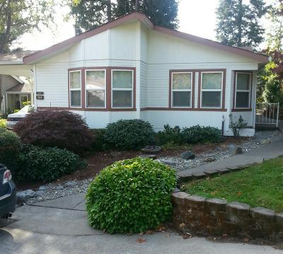 Grants Pass Mobile Home For Sale: 221 NW Creekside Drive