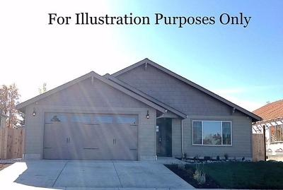 Medford OR Single Family Home For Sale: $297,500