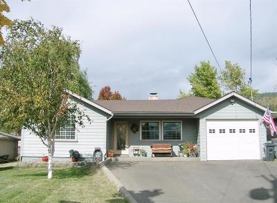 Josephine County Single Family Home For Sale: 1034 NE Churchill Street