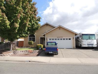 Josephine County Single Family Home For Sale: 537 SW Wagner Meadows Drive