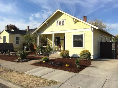 Single Family Home For Sale: 722 W 14th Street