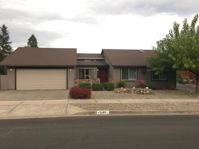Medford Single Family Home For Sale: 2493 Nieto Way