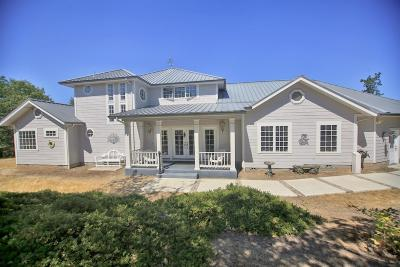Single Family Home Active-72HR Release: 678 Pleasantville Way