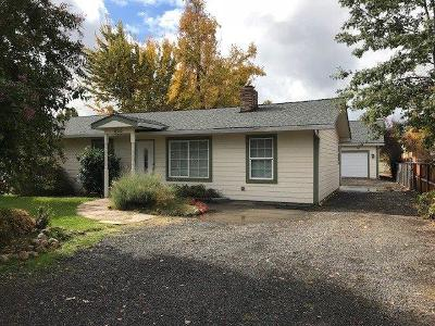Central Point Single Family Home For Sale: 620 S Fourth Street