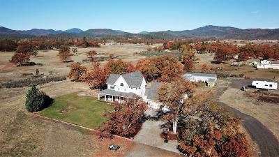 Jackson County, Josephine County Single Family Home For Sale: 4508 Dodge Road