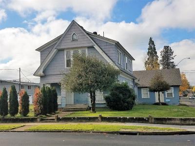 Medford Multi Family Home For Sale: 243 Holly Street