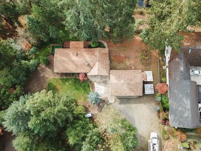 Jackson County, Josephine County Single Family Home For Sale: 8775 N Applegate