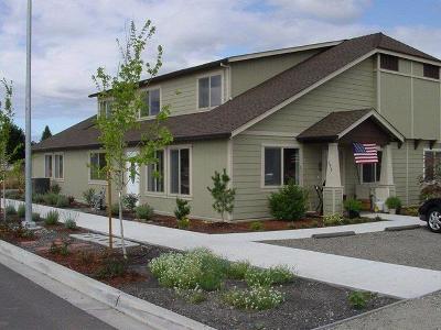 Jackson County, Josephine County Condo/Townhouse For Sale: 175 Mellecker Way