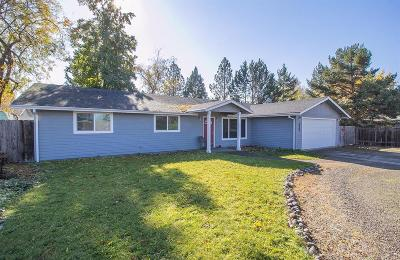 Medford OR Single Family Home For Sale: $264,999