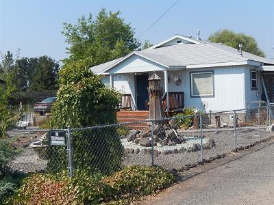 Central Point Single Family Home For Sale: 6883 Pinehurst Street
