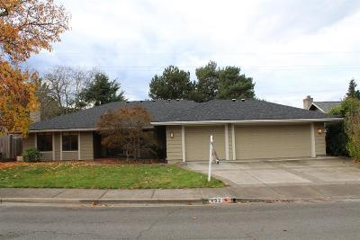 Medford OR Single Family Home For Sale: $329,000