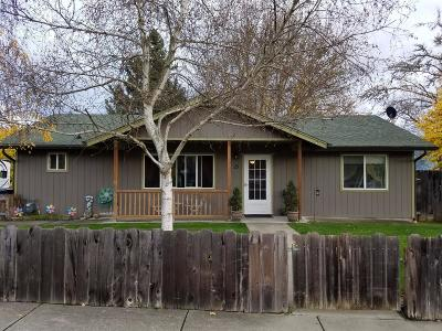 Grants Pass Single Family Home For Sale: 15 SW Humanity Way