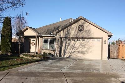 Jackson County, Josephine County Single Family Home For Sale: 610 Woodlark Drive