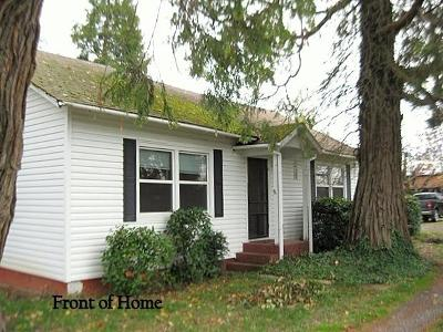 Grants Pass OR Single Family Home For Sale: $239,500