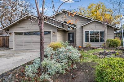 Medford Single Family Home For Sale: 2370 Stillwater Court