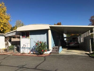 Grants Pass Mobile Home For Sale: 322 Sandlewood
