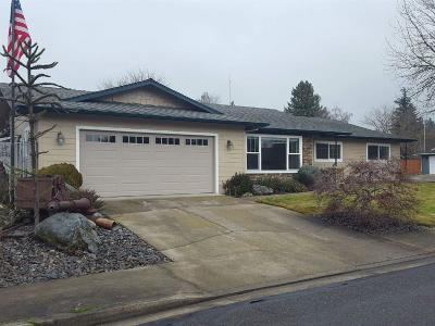 Grants Pass Single Family Home For Sale: 1911 Meadow Glen Drive